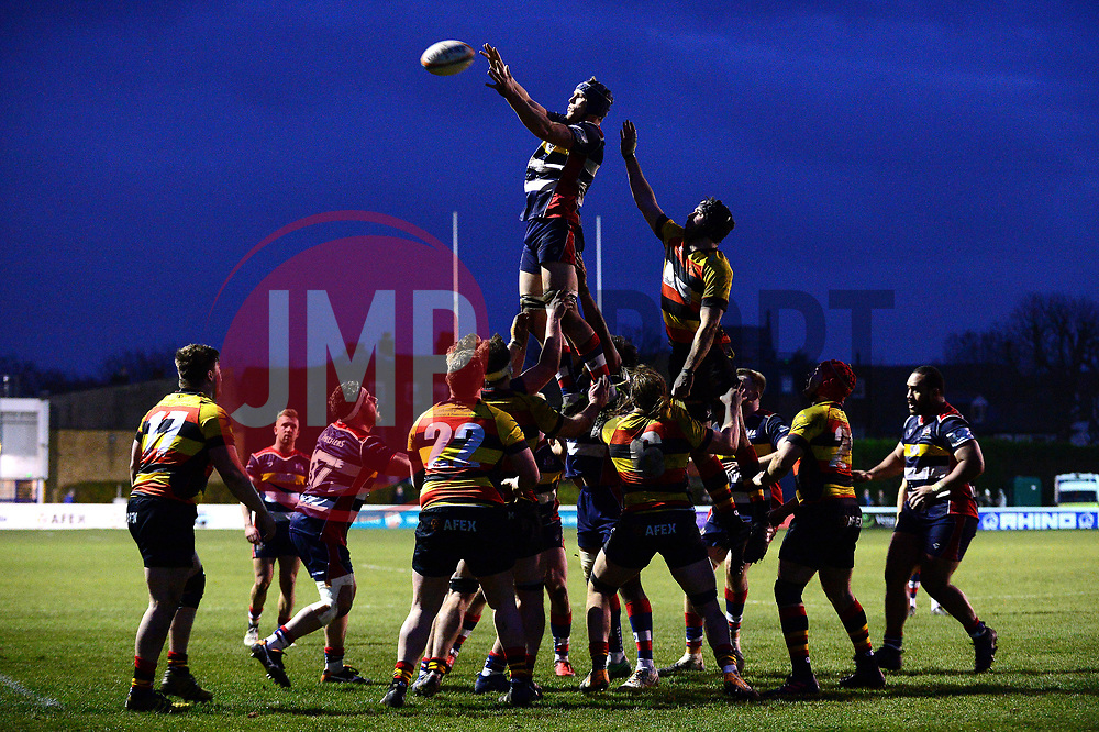 Bristol Rugby win the line out - Mandatory by-line: Dougie Allward/JMP - 30/12/2017 - RUGBY - The Athletic Ground - Richmond, England - Richmond v Bristol Rugby - Greene King IPA Championship