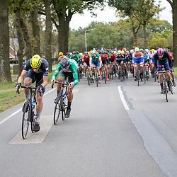 19-10-2019: Wielrennen: Olympia Tour: Hardenberg <br />Onrust op kop van de groep