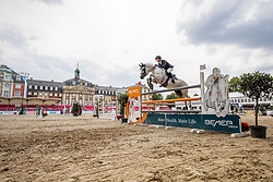 NIEBERG Gerrit (GER), CONTAGIO<br /> Münster - Turnier der Sieger 2019<br /> Preis des EINRICHTUNGSHAUS OSTERMANN, WITTEN<br /> CSI4* - Int. Jumping competition  (1.45 m) - <br /> 1. Qualifikation Mittlere Tour<br /> Medium Tour<br /> 02. August 2019<br /> © www.sportfotos-lafrentz.de/Stefan Lafrentz