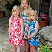 ITA/Tavernelle/20110704 - Koninklijke fotosessie Konink;ijke familie in in hun Itiliaanse zomerhuis, Koninging Beatrix, Maxima, Willem - Alexander en hun kinderen Amalia, Alexia en Arianne,
