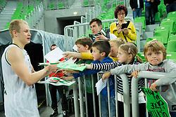 Sasu Salin #10 of KK Union Olimpija with fans after the basketball match between KK Union Olimpija (SLO) and Zenit St. Petersburg (RUS) in 4th Round of EuroCup 2014/15, on November 4, 2014 in Arena Stozice, Ljubljana, Slovenia. Photo by Vid Ponikvar / Sportida