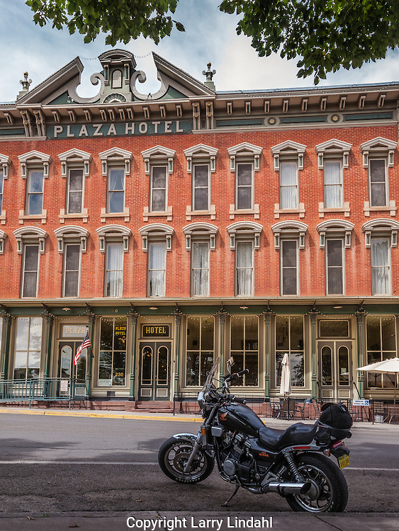 Las Vegas, New Mexico, Route 66, Plaza Hotel