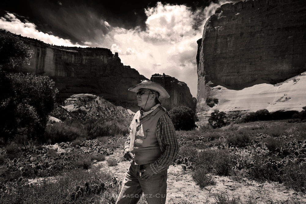 pvc081713a/8-17-13/asec.  Mr. Eugene Tso (CQ), Chinle Chapter Grazing Officer, participates in a feral horse roundup in Canyon de Chelly National Monument Thursday August 15, 2013.  (Pat Vasquez-Cunningham/Journal)
