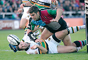 Twickenham. GREAT BRITAIN, Quins, Nick EASTER, scrambles for the ball, during the, Guinness Premiership game between, NEC Harlequins and Northamption Saints, on Sat., 04/11/2006, played at the Twickenham Stoop, England. Photo, Peter Spurrier/Intersport-images].....