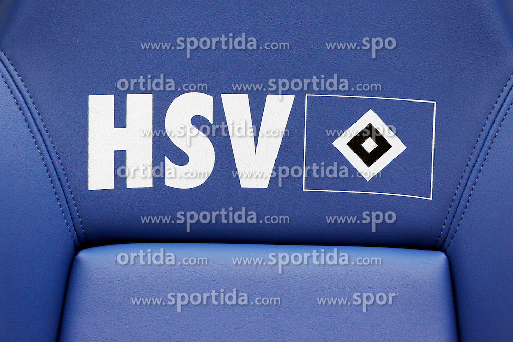 FUSSBALL: Deutschland, 1. Bundesliga, Hamburger SV, Hamburg, 21.03.2010<br /> Illustration, Trainerbank<br /> &Atilde;'&Acirc;&copy; pixathlon