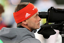 28.12.2015, Veltins Arena, Gelsenkirchen, GER, IBU Weltcup Biathlon, auf Schalke, im Bild Trainer, Gerlad H&ouml;nig, Deutschland // during the IBU Biathlon World Cup auf Schalke at the Veltins Arena in Gelsenkirchen, Germany on 2015/12/28. EXPA Pictures &copy; 2015, PhotoCredit: EXPA/ Eibner-Pressefoto/ Roskaritz<br /> <br /> *****ATTENTION - OUT of GER*****