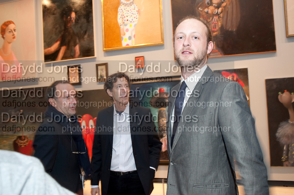 SIMON LEE; RALPH RUGOFF; LORD EDWARD SPENCER-CHURCHILL, George Condo: Mental States. Hayward Gallery. Southbank Rd. London. 17 October 2011. <br /> <br />  , -DO NOT ARCHIVE-© Copyright Photograph by Dafydd Jones. 248 Clapham Rd. London SW9 0PZ. Tel 0207 820 0771. www.dafjones.com.