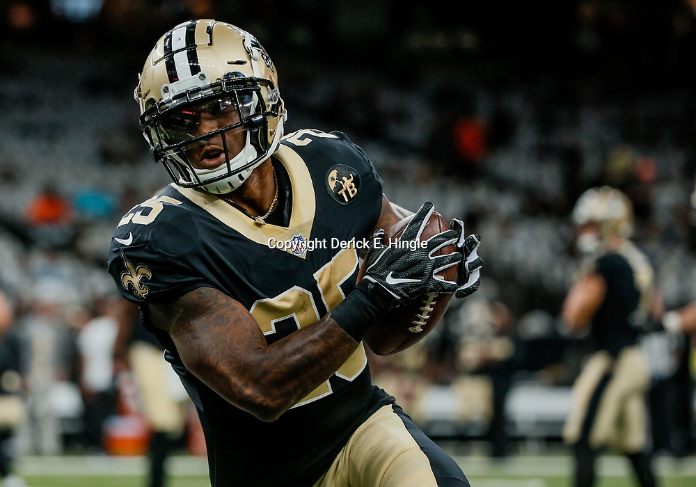 Sep 9, 2018; New Orleans, LA, USA; New Orleans Saints running back Mike Gillislee (25) before a game against the Tampa Bay Buccaneers at the Mercedes-Benz Superdome. Mandatory Credit: Derick E. Hingle-USA TODAY Sports