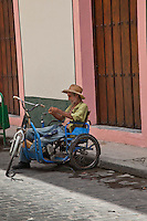 Bikes & tricycles are a popular way to get around in Old Havana.