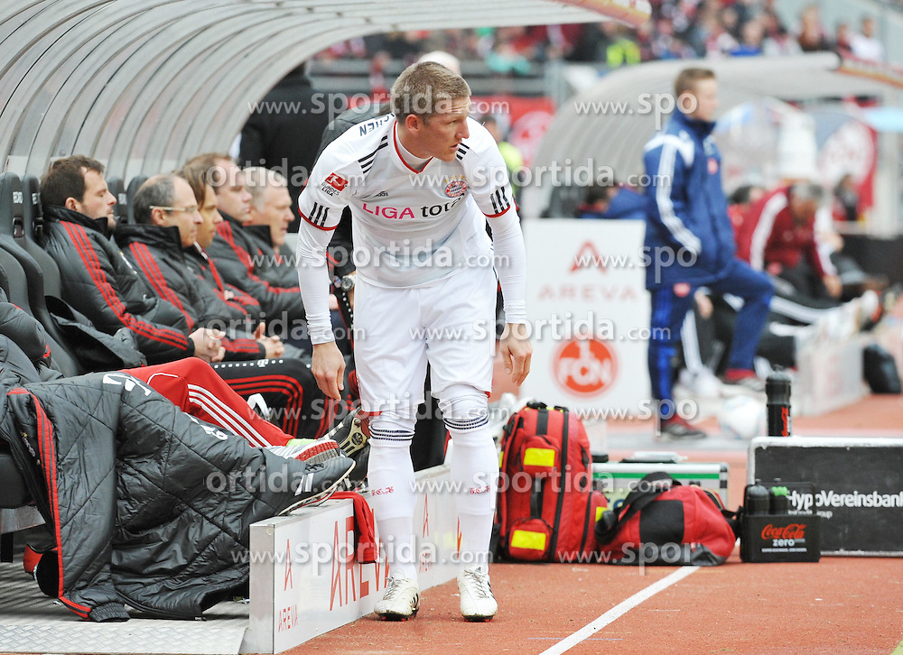 31.03.2012, Easy-Credit-Stadion, Nuernberg, GER, 1. FBL, 1. FC Nuernberg vs FC Bayern Muenchen, 28. Spieltag, im Bild Bastian Schweinsteiger (Bayern Muenchen) bereitet sich auf seine Einwechslung vor. Freisteller // during the German Bundesliga Match, 28th Round between 1. FC Nuernberg and FC Bayern Munich at the Easy-Credit-Stadium, Nuernberg, Germany on 2012/03/31. EXPA Pictures © 2012, PhotoCredit: EXPA/ Eibner/ Matthias Merz..***** ATTENTION - OUT OF GER *****