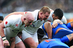 Dan Cole, Dylan Hartley and Mako Vunipola of England prepare to scrummage - Mandatory byline: Patrick Khachfe/JMP - 07966 386802 - 19/03/2016 - RUGBY UNION - Stade de France - Paris, France - France v England - RBS Six Nations.