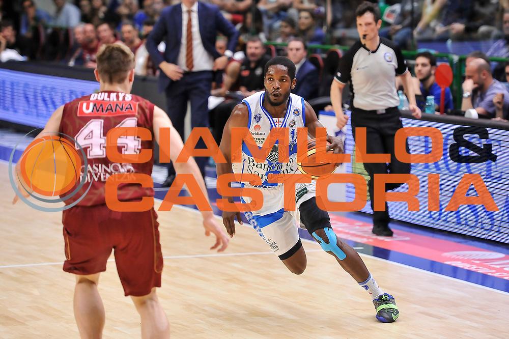 DESCRIZIONE : Campionato 2014/15 Dinamo Banco di Sardegna Sassari - Umana Reyer Venezia<br /> GIOCATORE : Jerome Dyson<br /> CATEGORIA : Palleggio Penetrazione<br /> SQUADRA : Dinamo Banco di Sardegna Sassari<br /> EVENTO : LegaBasket Serie A Beko 2014/2015<br /> GARA : Dinamo Banco di Sardegna Sassari - Umana Reyer Venezia<br /> DATA : 03/05/2015<br /> SPORT : Pallacanestro <br /> AUTORE : Agenzia Ciamillo-Castoria/L.Canu