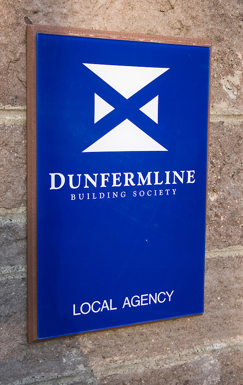 London 30Mar 2009 Nationwide rescues Dunfermline and saves 530 jobs Taxpayers were facing substantial losses today after the beleaguered Dunfermline Building Society was broken up with its healthy parts transferred to the Nationwide Building Society.