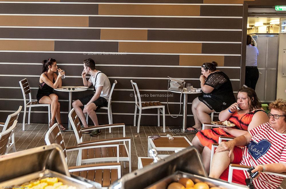 Royal Caribbean, Harmony of the Seas, freef food on the Boardwalk