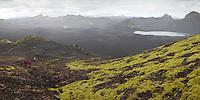 Gengið á Sveinstind við Langasjó. Hiking mount Sveinstindur by lake Langisjor.