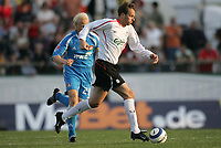 Fotball<br /> 16.07.2005<br /> Foto: Gepa/Digitalsport<br /> NORWAY ONLY<br /> <br /> Testspiel, FC Liverpool vs Bayer 04 Leverkusen<br /> <br /> Dietmar Hamann (Liverpool), Carsten Ramelow (Leverkusen)