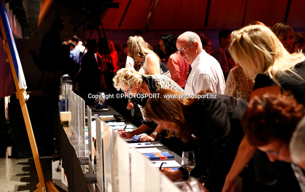 during Dinner With Gordon Ramsay. Vodafone Events Centre, Manukau, Auckland. Friday 26 April 2013.  Photo: Simon Watts / photosport.co.nz