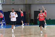 DESCRIZIONE : Bormio Raduno Collegiale Nazionale Maschile Allenamento<br /> GIOCATORE : Marco Belinelli Daniel Hacket<br /> SQUADRA : Nazionale Italia Uomini Italy <br /> EVENTO : Raduno Collegiale Nazionale Maschile <br /> GARA : Italia Italy  <br /> DATA : 07/07/2009 <br /> CATEGORIA : <br /> SPORT : Pallacanestro <br /> AUTORE : Agenzia Ciamillo-Castoria/G.Ciamillo