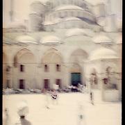 Istanbul, T&uuml;rkei/Turkey. Sultan Ahmet Camii. Im Hof der Blauen Moschee. In the courtyard of the Blue Mosque.<br /> &copy; 05/2012 Harald Krieg / Agentur Focus