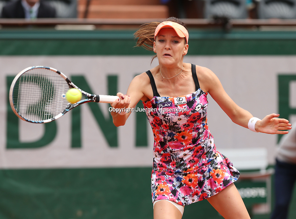 French Open 2014, Roland Garros,Paris,ITF Grand Slam Tennis Tournament,<br /> Agnieszka Radwanska (POL),Aktion,Einzelbild,Halbkoerper,Querformat,