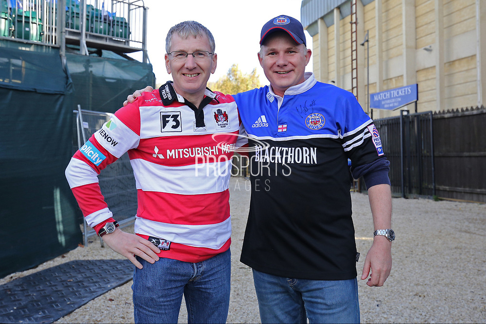 Bath fan v Gloucester fan, old friends meeting up for the game before the Aviva Premiership match between Bath Rugby and Gloucester Rugby at the Recreation Ground, Bath, United Kingdom on 29 October 2017. Photo by Gary Learmonth.