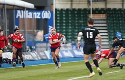 Chay Mullins of Bristol Bears U18 runs with the ball - Mandatory by-line: Arron Gent/JMP - 12/01/2020 - RUGBY - Allianz Park - London, England - Saracens U18 v Bristol Bears U18 - Premiership U18 Academy