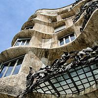Casa Mila, La Pedrera. Edificio modernista obra del arquitecto Antoni Gaudí. Casa Mila, La Pedrera. Modernist building designed by the architect Antoni Gaudi.