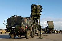 03 NOV 2003, LAAGE/GERMANY:<br /> Flugabwehrraktenesystem Patriot der Bundeswehr, Fliegerhorst Laage<br /> IMAGE: 20031103-01-073<br /> KEYWORDS: Luftwaffe, Bundesluftwaffe, Flugabwehr, Raketen, Waffensystem