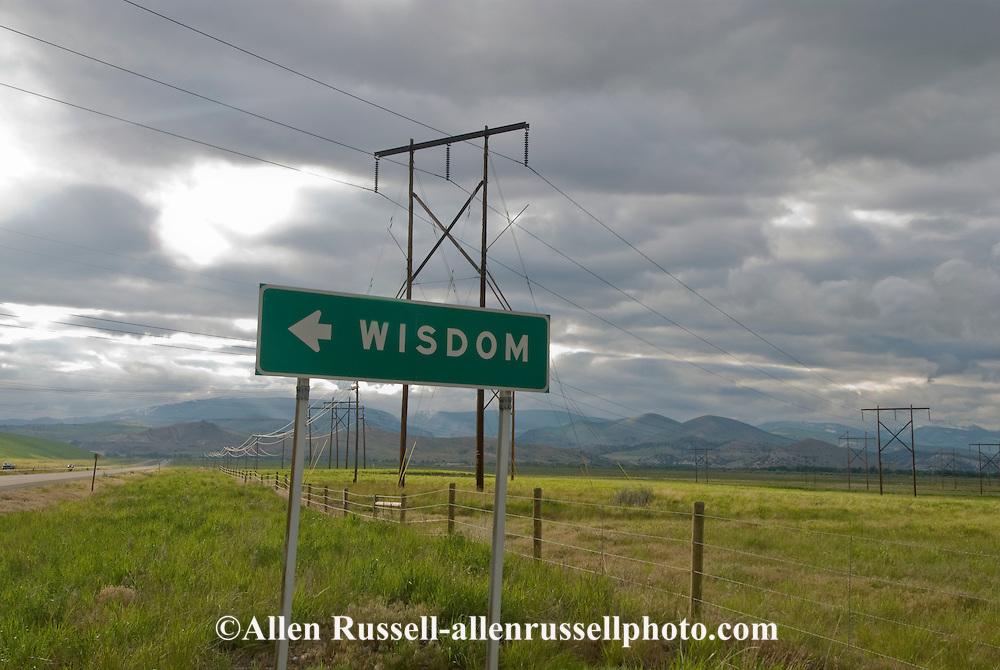 Wisdom this way, sign for Wisdom Montana