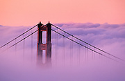 Image of the Golden Gate Bridge in San Francisco, California, America west coast