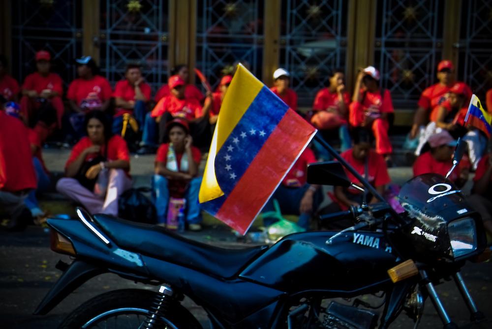 VENEZUELAN POLITICS / POLITICA EN VENEZUELA<br /> <br /> March supporters of Hugo Chavez / Marcha de simpatizantes de Hugo Chavez<br /> Caracas - Venezuela 2007<br /> (Copyright © Aaron Sosa)