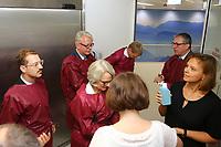 Mannheim. 28.07.17   Neue Stammzell-Transplantationseinheit<br /> &bdquo;Das Universitätsklinikum Mannheim ist ein überregional bedeutendes Zentrum für schwere Blutkrebs-Erkrankungen&ldquo;, betonte Oberbürgermeister Dr. Peter Kurz, der auch Aufsichtsratsvorsitzender<br /> des Klinikums ist. &bdquo;Mit der neuen Station und der angeschlossenen Ambulanz profitieren jetzt noch mehr Patienten aus Mannheim, der Metropolregion Rhein-Neckar und weit darüber hinaus von der speziellen Expertise und der lebensrettenden Behandlung.&ldquo;<br /> <br /> <br /> BILD- ID 0530  <br /> Bild: Markus Prosswitz 28JUL17 / masterpress (Bild ist honorarpflichtig - No Model Release!)