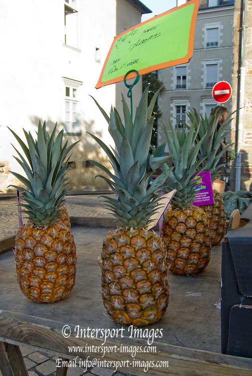 Rennes, FRANCE, Rennes,Pinapples, on display at the Saturday Morning Market, Brittany.  Saturday  26/09/2009  [Mandatory Credit Peter Spurrier Intersport Images] Street Photo.