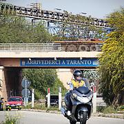 Il rione Tamburi di Taranto, vicinissimo allo stabilimento dell'Ilva.