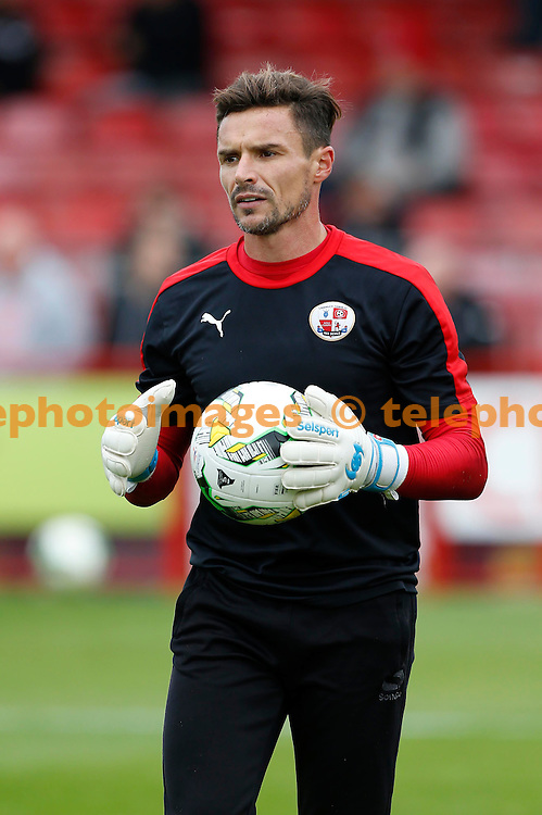Crawley&rsquo;s Keeper Darryl Flahavan seen during the Sky Bet League 2 match between Crawley Town and Luton Town at the Checkatrade.com Stadium in Crawley. October 17, 2015.<br /> James Boardman / Telephoto Images<br /> +44 7967 642437