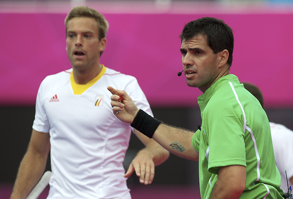 LONDON - Olympische Spelen 2012.men .match: New Zealand v Belgium.foto: Umpire Oca de Montes..FFU PRESS AGENCY COPYRIGHT FRANK UIJLENBROEK.