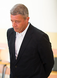 23.08.2016, Landesgericht fuer Strafsachen, Wien, AUT, Prozess gegen Rumpold und Hochegger mit dem Vorwurf der Korruption, im Bild ehemaliger FPÖ-Werber Gernot Rumpold // former politician of the austrian freedom party Gernot Rumpold before hearing according to supspect of corruption in case of Telekom Austria at rgeional court for criminal affairs in Vienna, Austria on 2016/08/23, EXPA Pictures © 2016, PhotoCredit: EXPA/ Michael Gruber