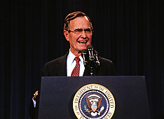 George Bush accused of groping - 12 Dec 2017