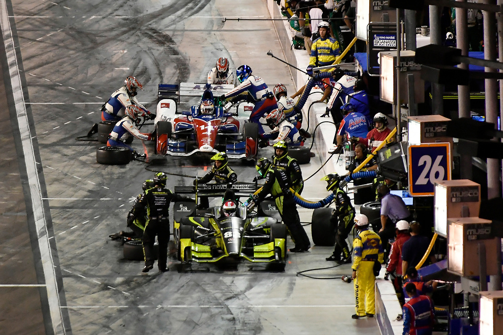 Verizon IndyCar Series<br /> Desert Diamond West Valley Phoenix Grand Prix<br /> Phoenix Raceway, Avondale, AZ USA<br /> Saturday 29 April 2017<br /> Charlie Kimball, Chip Ganassi Racing Teams Honda pit stop<br /> World Copyright: Scott R LePage<br /> LAT Images<br /> ref: Digital Image lepage-170429-phx-4315