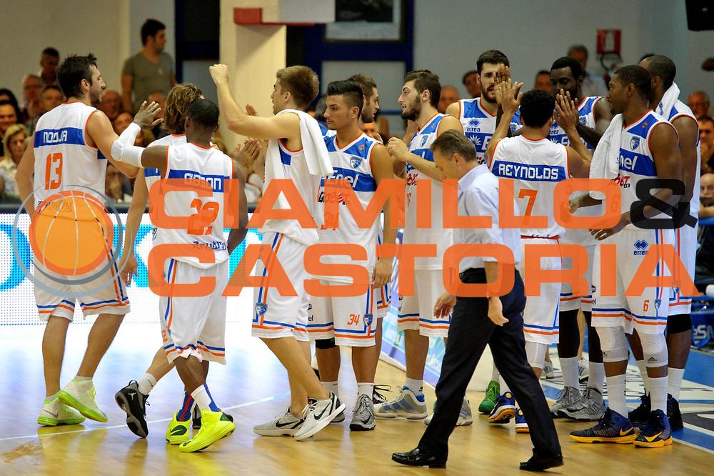 DESCRIZIONE : Brindisi Lega A 2012-13 Enel Brindisi Vanoli Cremona<br /> GIOCATORE : Team<br /> CATEGORIA : Esutanza<br /> SQUADRA : Enel Brindisi<br /> EVENTO : Campionato Lega A 2012-2013 <br /> GARA : Enel Brindisi Vanoli Cremona<br /> DATA : 14/10/2012<br /> SPORT : Pallacanestro <br /> AUTORE  Agenzia Ciamillo-Castoria/V.Tasco<br /> Galleria : Lega Basket A 2012-2013  <br /> Fotonotizia : Brindisi Lega A 2012-13 Enel Brindisi Vanoli Cremona<br /> Predefinita :