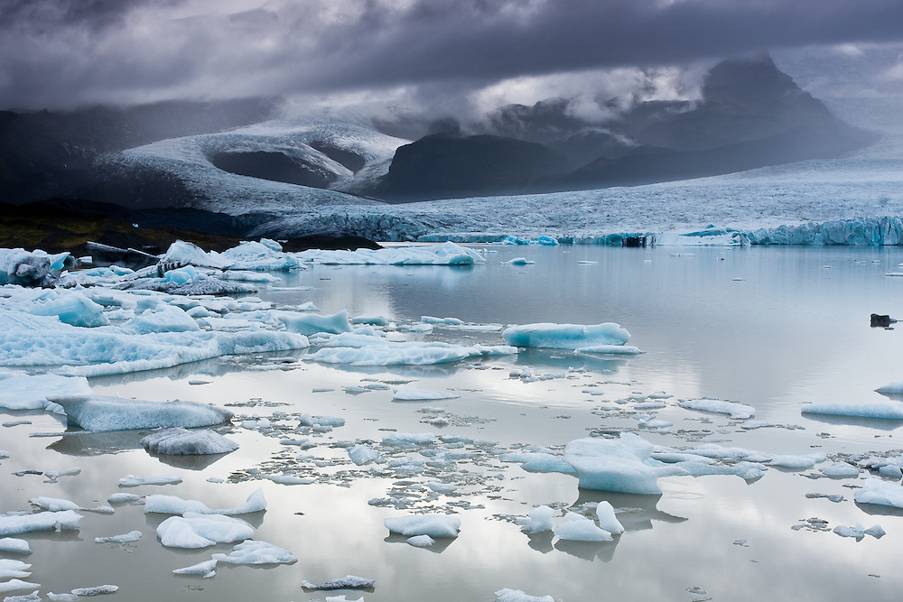 Fjallsarlon is a glacier lake near Vatnajokull. Like Jokulsarlo nearby, it also has some floating icebergs.