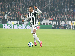 November 22, 2017 - Turin, Piemonte/Torino, Italy - Alex Sandro (Juventus FC) during the Champions League mathc: Juventus FC vs Barcelona FC at the Juventus Stadium. The final scorre is 0-0 Turin, Italy 22th November 2017  (Credit Image: © Alberto Gandolfo/Pacific Press via ZUMA Wire)