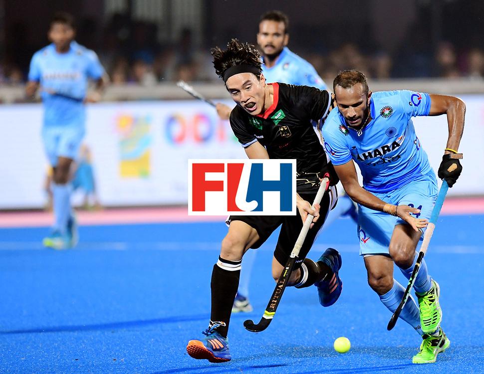 Odisha Men's Hockey World League Final Bhubaneswar 2017<br /> Match id:21<br /> India v Germany<br /> Foto: Dan Nguyen (Ger) in dual with Sunil Sowmarpet (Ind) <br /> COPYRIGHT WORLDSPORTPICS FRANK UIJLENBROEK