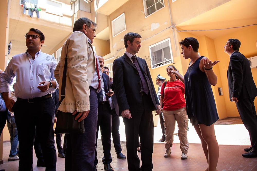 Il ministro della Giustizia Andrea Orlando in visita allo Zen di Palermo, incontra i volontari dell'associazione Zen Insieme.