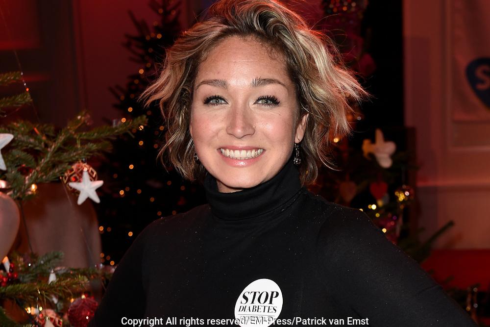 Sky Radio's jaarlijkse goede doelen-event Christmas Tree For Charity in Studio 22, Hilversum.<br /> <br /> Op de foto:  Dominique van Hulst -  Do