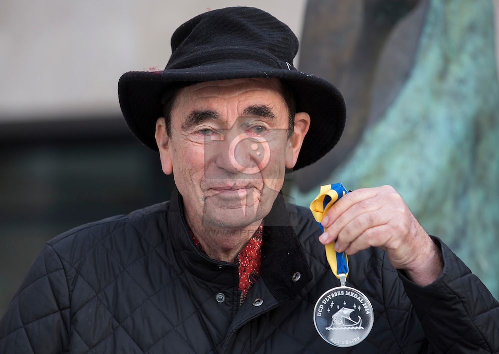 South African Justice Albie Sachs receives UCD Ulysses Medal.