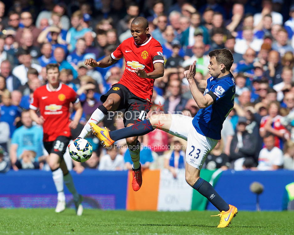 LIVERPOOL, ENGLAND - Sunday, April 26, 2015: Everton's Seamus Coleman in action against Manchester United's Ashley Young during the Premier League match at Goodison Park. (Pic by David Rawcliffe/Propaganda)