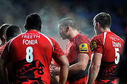 Matt Corker of London Welsh speaks to his team-mates after Welsh concede a try- Photo mandatory by-line: Patrick Khachfe/JMP - Mobile: 07966 386802 23/11/2014 - SPORT - RUGBY UNION - Oxford - Kassam Stadium - London Welsh v Leicester Tigers - Aviva Premiership
