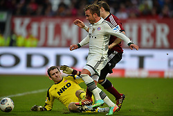 08.02.2014, easyCredit Stadion, Nuernberg, GER, 1. FBL, 1. FC Nuernberg vs FC Bayern Muenchen, 20. Runde, im Bild Mario Goetze (FC Bayern Muenchen / Mitte) versucht gegen Raphael Schaefer (1 FC Nuernberg / links), Javier Pinola (1 FC Nuernberg / hinten) zum Torschuss zu kommen Zweikampf, Duell, Action / Aktion // during the German Bundesliga 20th round match between 1. FC Nuernberg and FC Bayern Munich at the easyCredit Stadion in Nuernberg, Germany on 2014/02/08. EXPA Pictures © 2014, PhotoCredit: EXPA/ Eibner-Pressefoto/ MERZ<br /> <br /> *****ATTENTION - OUT of GER*****