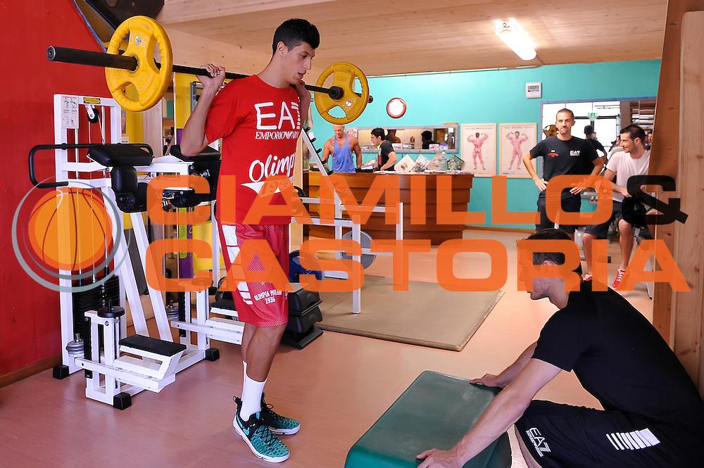 Simone Fontecchio <br /> EA7 Emporio Armani Olimpia Milano allenamento pesi<br /> Lega Basket Serie A 2016/2017<br /> Bormio 26/08/2016<br /> Foto Ciamillo-Castoria